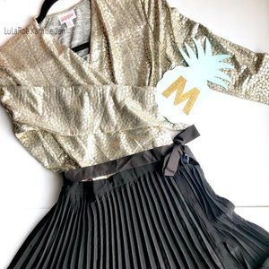 Elegant Collection: LuLaRoe DeAnne size Medium
